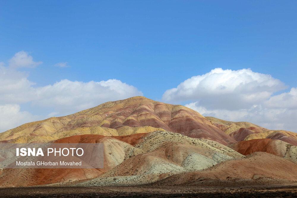 61725310 کوه های رنگی, آلاداغلار