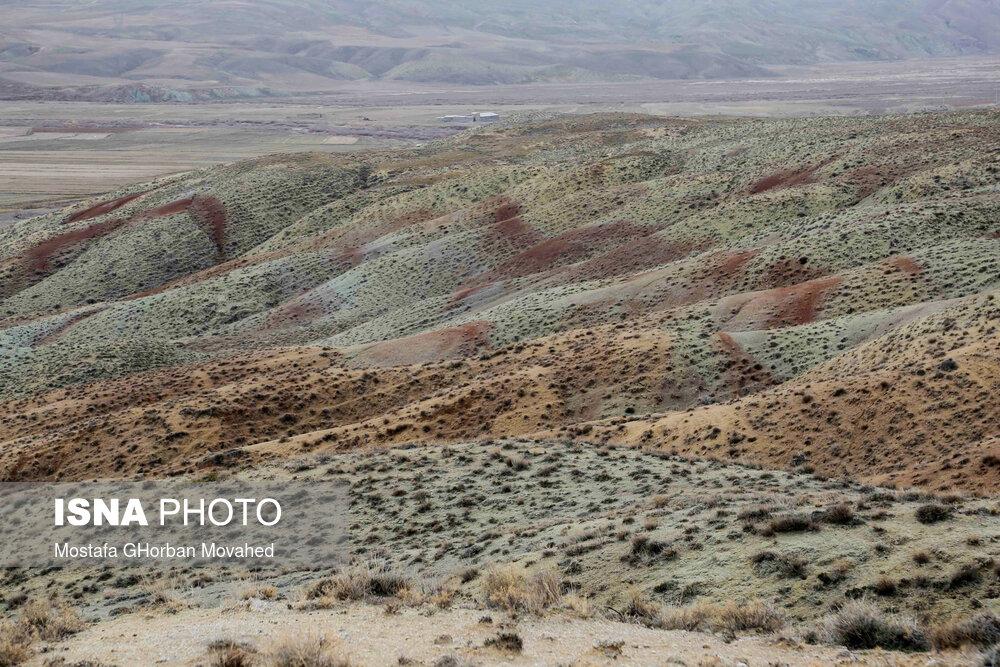 61725320 کوه های رنگی, آلاداغلار