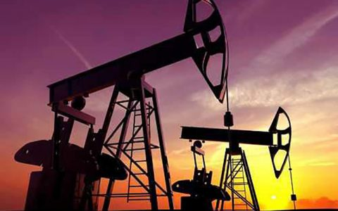 بهای نفت امروز جمعه در بازارهای جهانی
