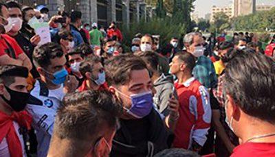 تجمع هواداران پرسپولیس مقابل ساختمان مجلس