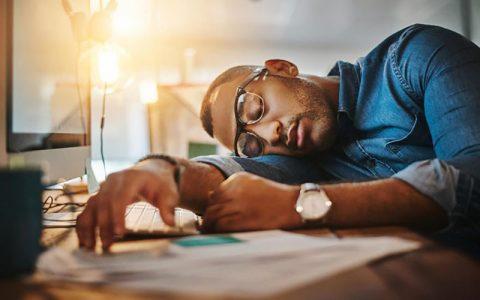 خستگی صبحگاهی؛ از علائم تا درمان خستگی صبحگاهی