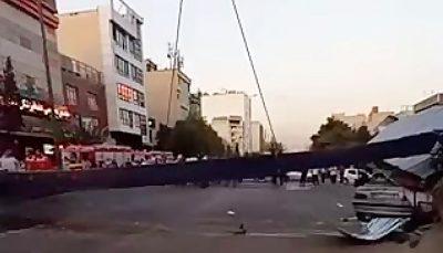 فیلم جدیدی از لحظه سقوط تیرآهن در سعادت آباد/ فیلم