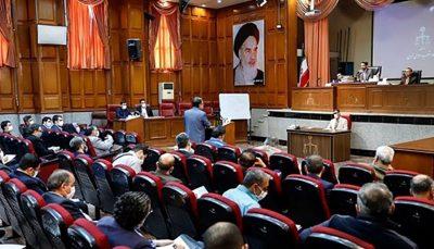 نهمین جلسه دادگاه بانک سرمایه/ نماینده دادستان: امامی سکانسهای نمایشنامهای که دیگران نوشتهاند را اجرا میکند