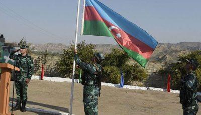 اهتزار پرچم آذربایجان در پاسگاههای آزاد شده در مرز با ایران