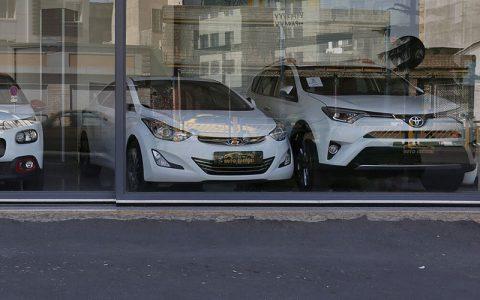 ریزش ۵۰۰ میلیون تا ۲ میلیارد تومانی قیمت خودروهای خارجی در بازار