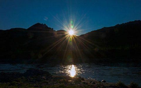 شهری در آلاسکا که تا ۲ ماه دیگر رنگ خورشید را نمیبیند قطب شمال, پدیده نجومی, آلاسکا
