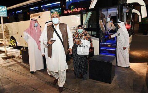 عربستان درهای مدینه را به روی خارجیها باز کرد عمرهگزاران خارجی, عربستان