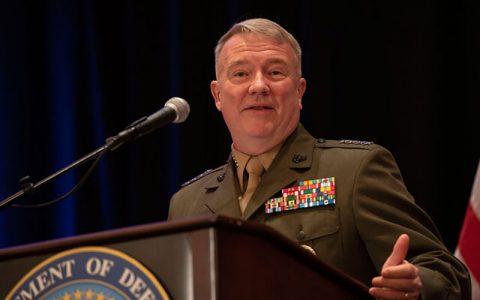 فرمانده سنتکام: فشار حداکثری علیه ایران بعد نظامی ندارد