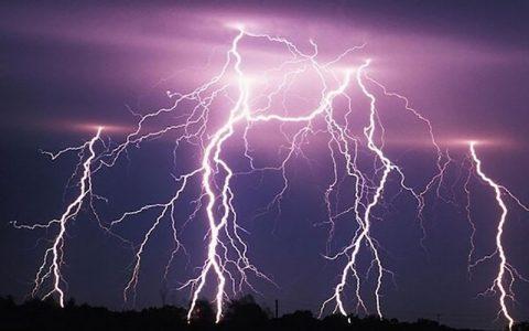 هواشناسی هشدار داد؛ احتمال رگبار و رعد و برق در ۱۷ استان