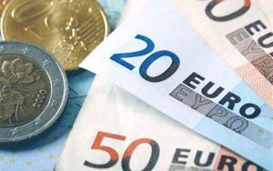 یورو با کنار زدن دلار آمریکا پرکاربرد ترین ارز جهان شد