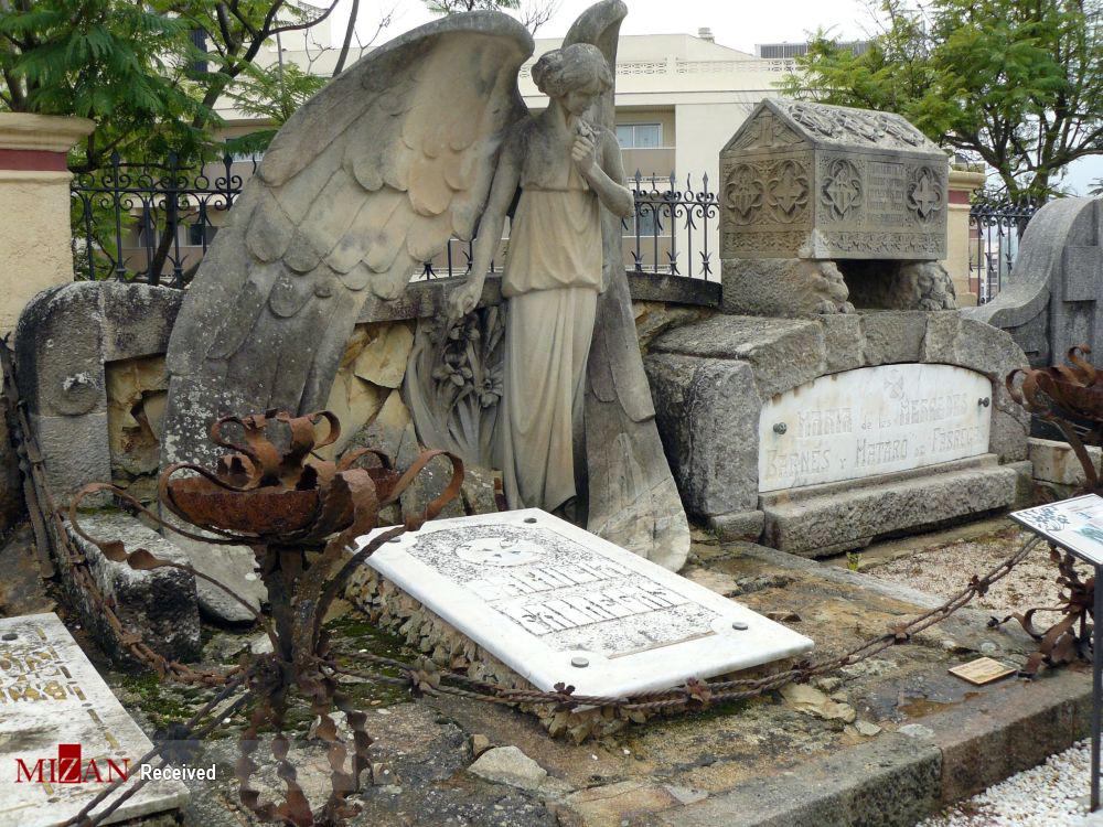 2831916 805 قبرستانهای تاریخی جهان, تصاویر