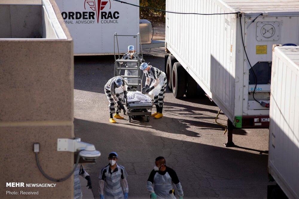 جابهجا کردن اجساد کرونایی توسط زندانیان آمریکایی