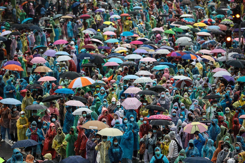 Thailand Protest GettyImages 1229141569 برترین عکس های رسانه ای جهان, بهترین عکس خبری, بهترین عکس های جهان, گزارش تصویری