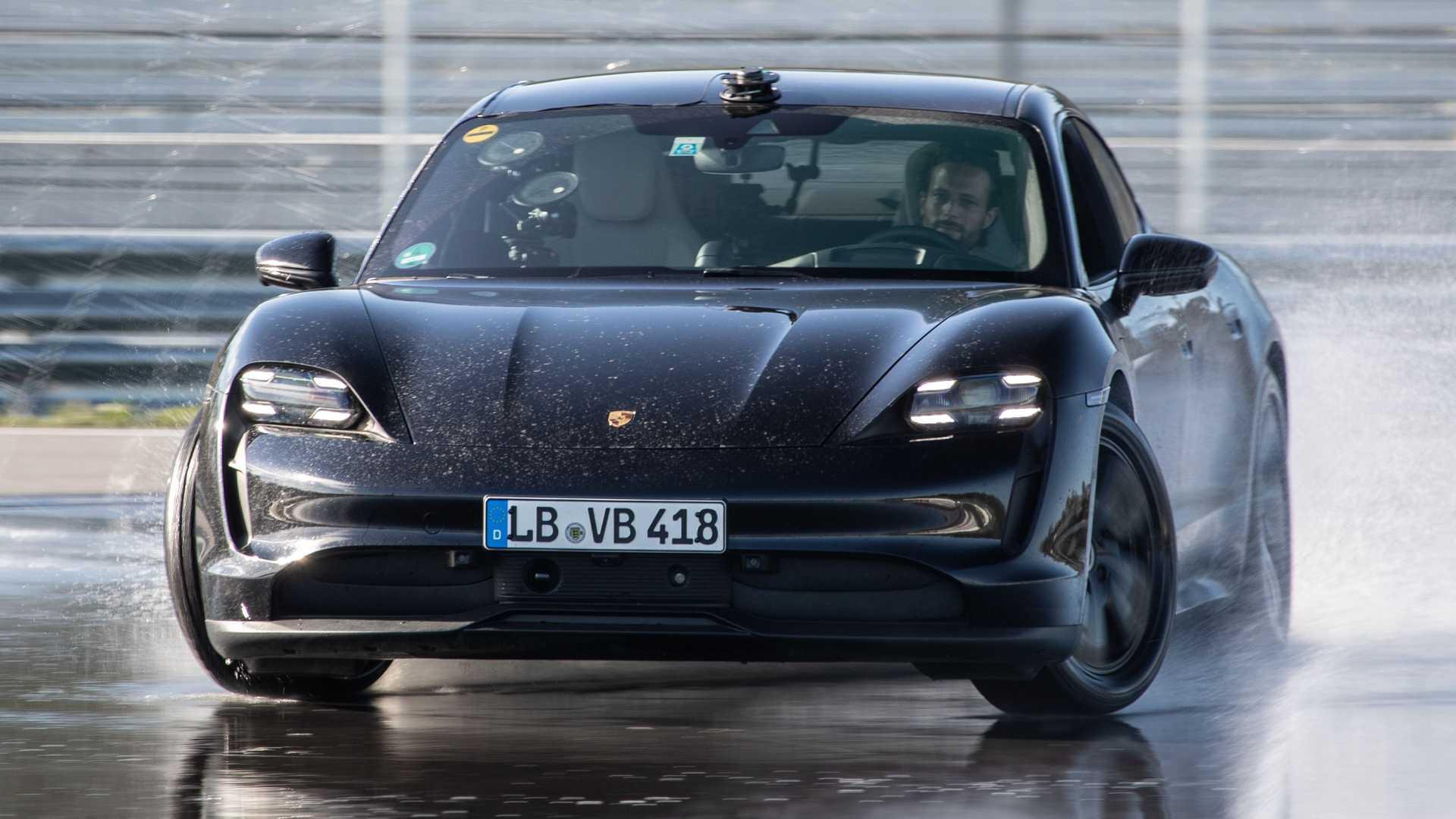 porsche taycan ev drifting for drift record 1 خودرو برقی, پورشه تایکان