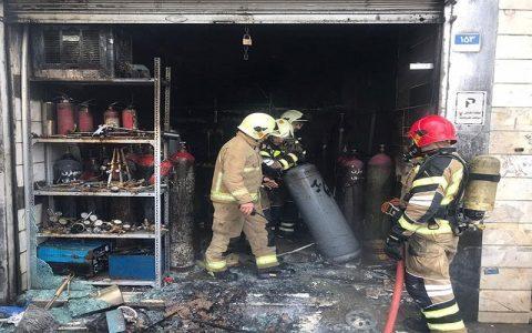 آتش سوزی در کارگاه شارژ گاز مایع در خیابان کارگر جنوبی مهار شد