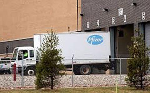 ارسال کامیون های حامل واکسن فایزر به بیمارستان های آمریکا واکسن فایزر, بیمارستان های آمریکا