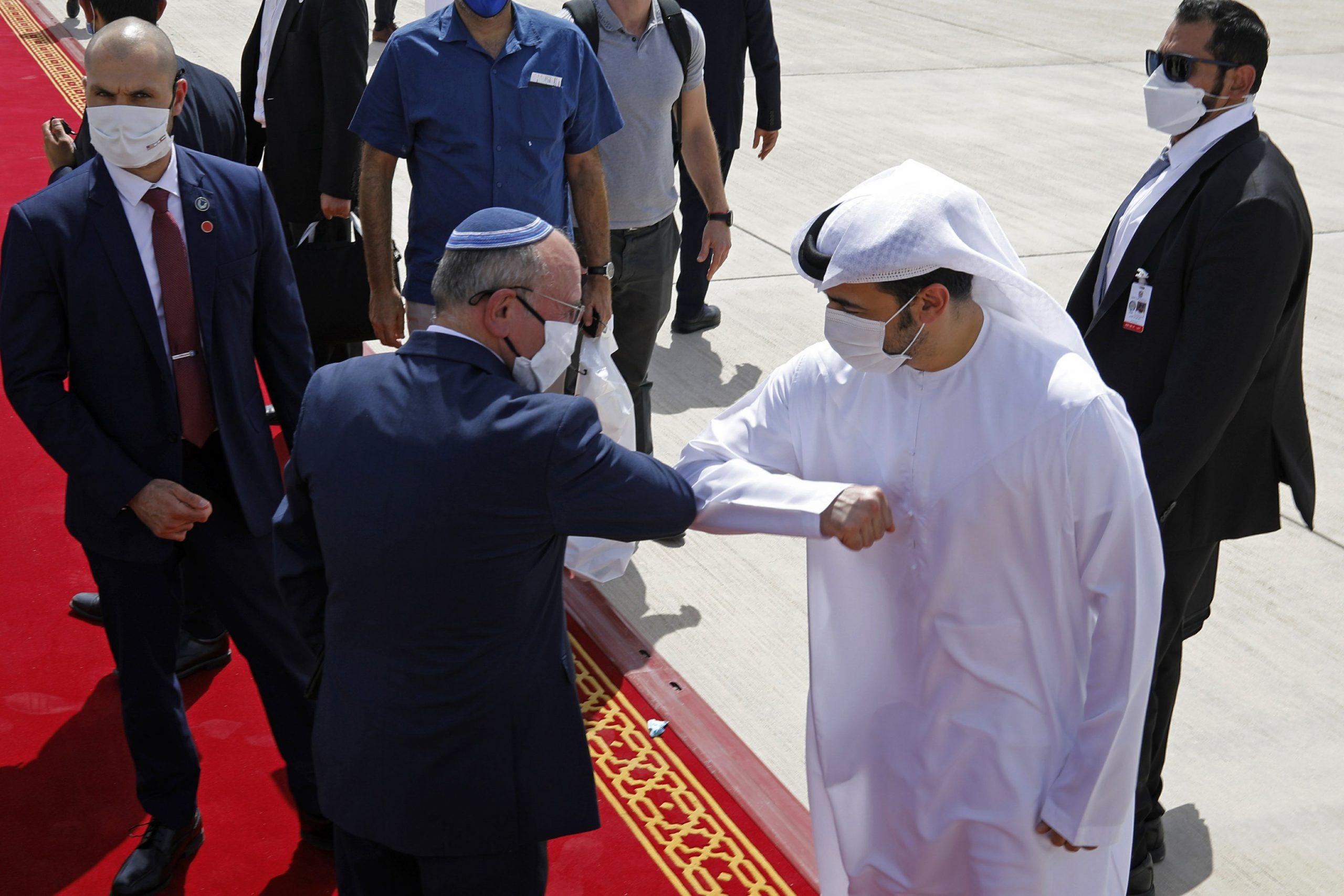 انگیزه های فراوان «نتانیاهو» از سفر به بحرین و امارات/ نفوذ آرام و خزنده اسرائیل در خلیج فارس چگونه رقم خواهد خورد؟