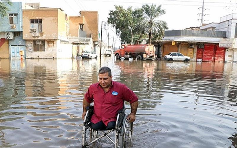 اینجا دریا نیست، اهواز است؛ وعدههای مسئولان برای مردم مصیبزدهِ خوزستان نفتخیز چه شد؟ خوزستان, آبگرفتگی, اهواز
