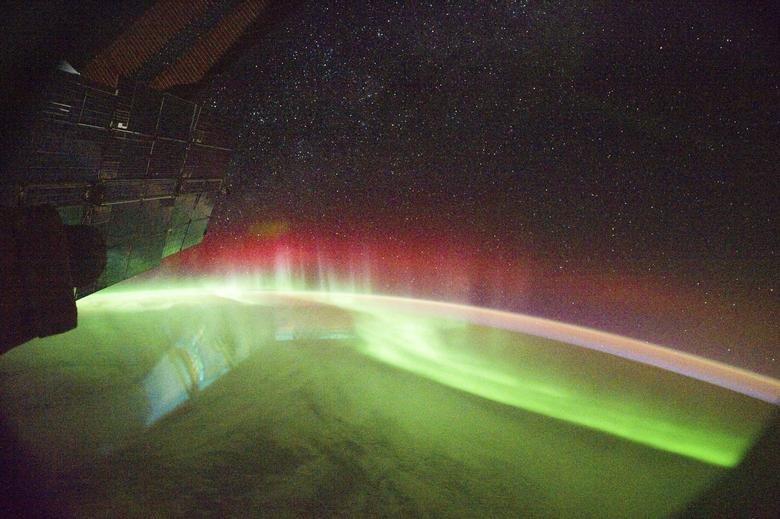 زمین 6 ایستگاه فضایی, زمین