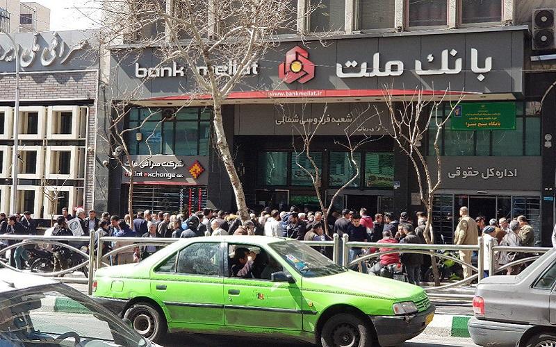 وقتی تلاطم بازار ارز برای بانک ها جذاب و سودآور می شود/ نقش بانک ملت در کنترل و کاهش قیمت ارز چیست؟