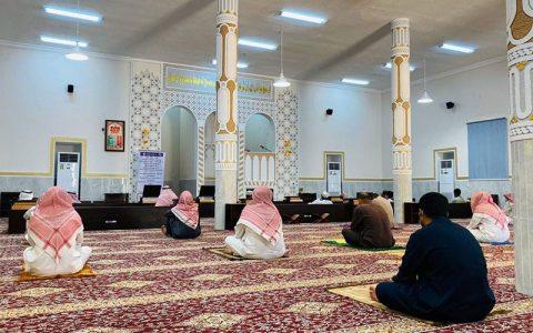 عربستان بیش از ۱۰۰ امام جماعت را برکنار کرد