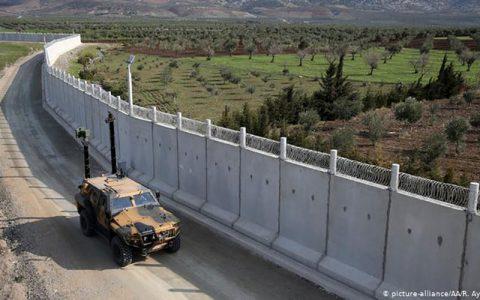 گورهای بینام و نشان در امتداد دیوار مرزی ترکیه با ایران