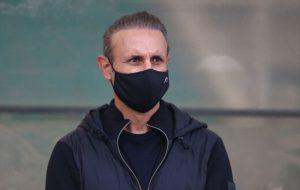 گلمحمدی: کرونا در لیگ ما شده مسخرهبازی