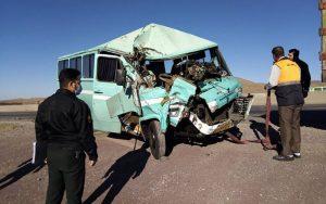 تصادف مینیبوس با کامیون در استان قزوین ۹ مصدوم برجای گذاشت