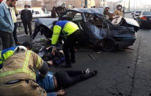 تصادف هولناک 2 پژو با 5 مجروح در بزرگراه یادگار امام / تصاویر