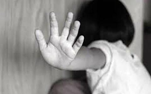 دستگیری عامل کودک آزاری در تاکستان کودک آزاری, تاکستان