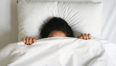 که خواب بیش از حد دارد