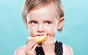 فواید لیمو شیرین برای کودک پزشکی و سلامت