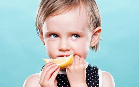 فواید لیمو شیرین برای کودک
