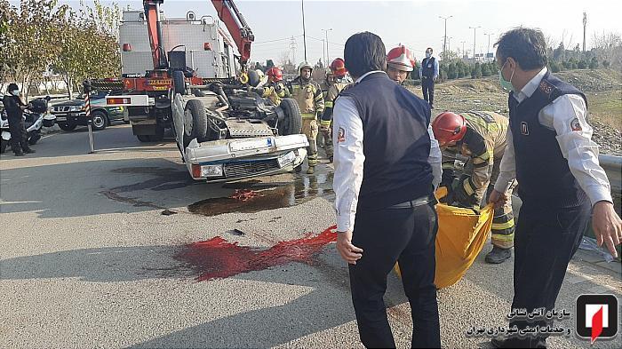 مرگدلخراشپسرنوجواندرحادثهواژگونیوانتبار 2 بزرگراه شهید کاظمی, تصادف