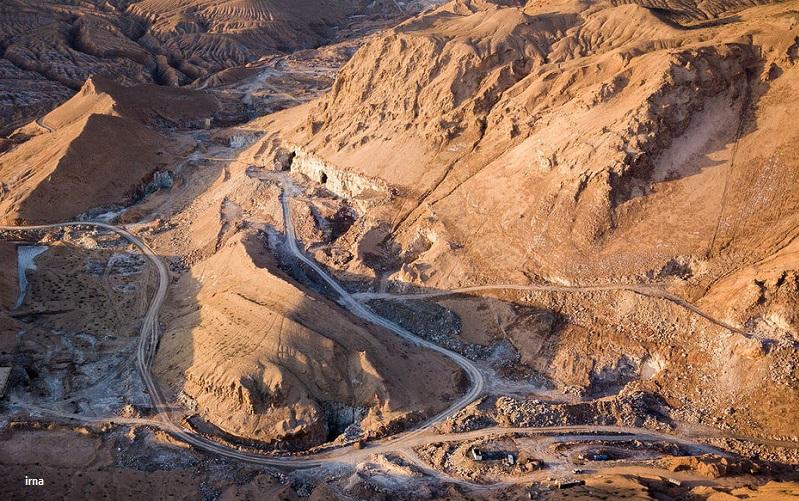 چراغ سبز مجلس یازدهم به معدنکاوان برای تاراج منابع طبیعی/ آیا نمایندگان مردم به پیامدهای اصلاح قانون معدن واقف هستند؟