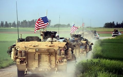 ورود دهها کامیون حامل تسلیحات ارتش آمریکا به حومه دیرالزور تسلیحات ارتش آمریکا, دیرالزور, ارتش آمریکا