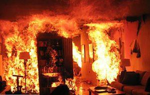 گرفتار شدن زوج جوان در حادثه آتشسوزی حوادث