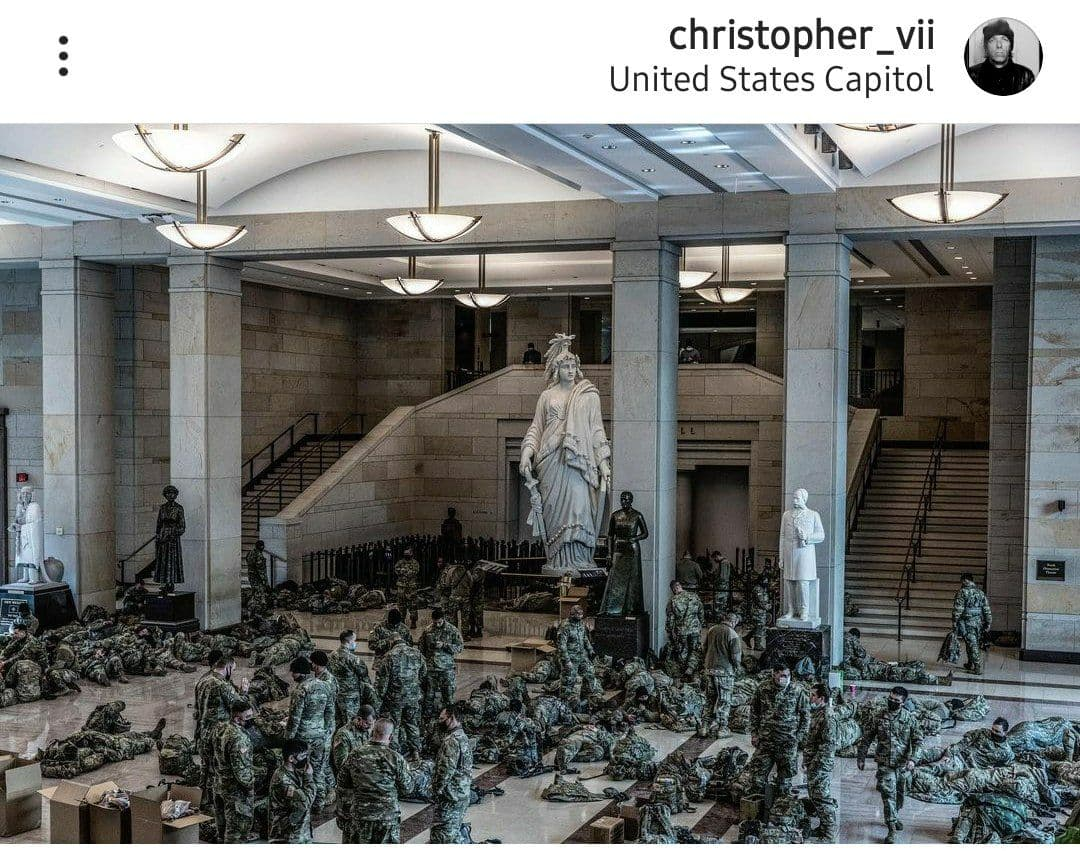 گارد ملی در ساختمان کنگره آمریکا / عکس
