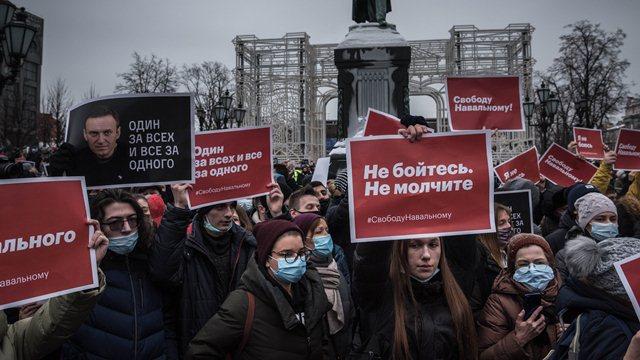 دستگیری 2 هزار نفر در تظاهرات ضددولتی در مسکو/ عکس