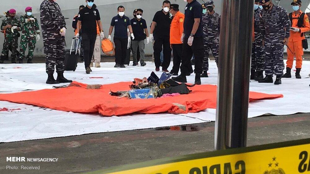 3657160 هواپیمای مسافربری اندونزی, اجساد سرنشینان هواپیما