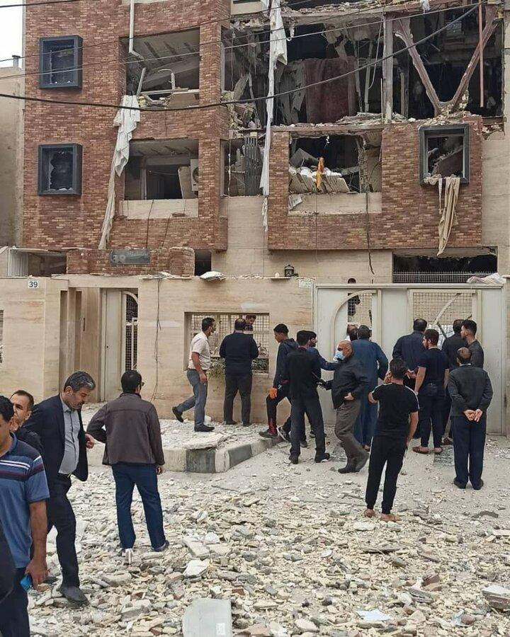 انفجار هولناک در اهواز ؛ یک خانواده زیر آوار / ویدئوی نجات دختر جوان را ببینید