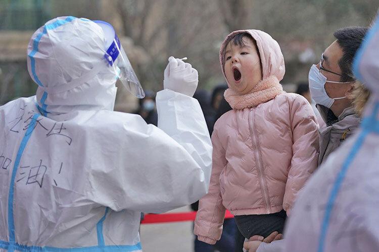 اعلام وضعیت اضطراری کرونا در ژاپن / ۲۵۰۰ بیمار روزانه در توکیو