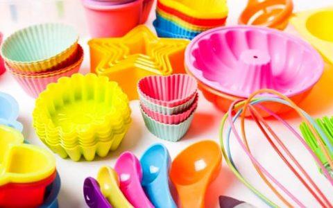 6 مرحله برای تمیز کردن پلاستیک های زرد و کدر شده