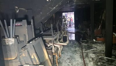حریق در یک ساختمان ۹ واحدی در شهرک ولیعصر/ عکس
