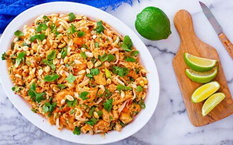 روش پخت غذای تایلندی با مرغ و میگو