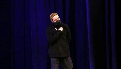 لباس های نوید محمدزاده در جشنواره فیلم فجر سوژه شد / عکس