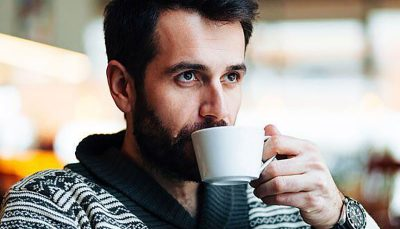 مصرف روزانه قهوه خطر کاهش شنوایی مردان را از بین میبرد