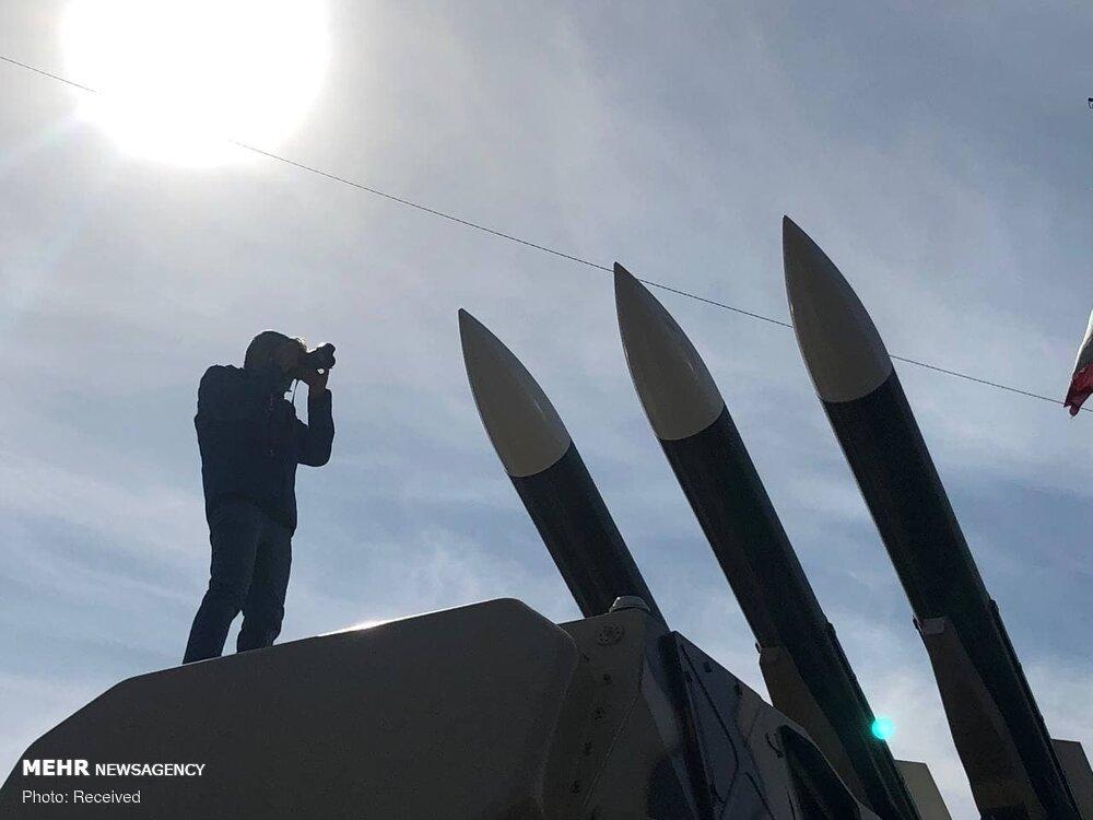 موشکهای بالستیک در میدان آزادی به نمایش درآمدند