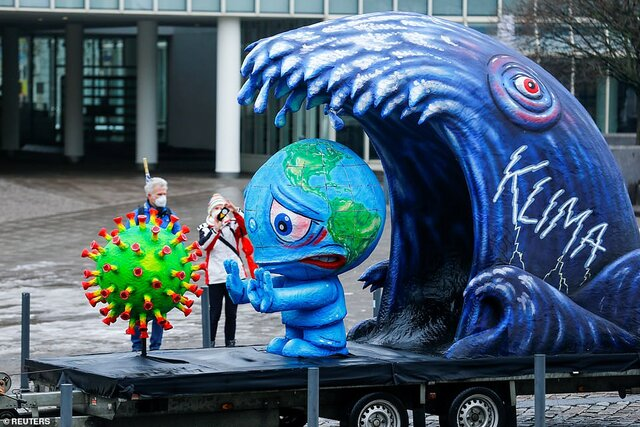 کارناوال آلمان با تمسخر چهرههای جهانی برگزار شد / تصاویر