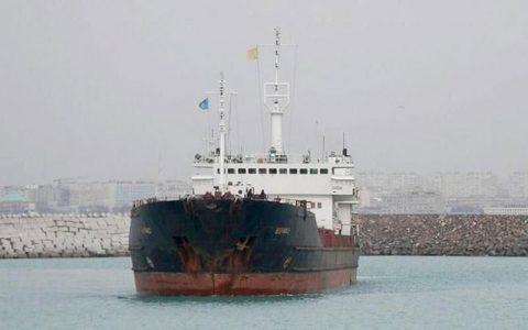 آب گرفتگی کشتی حامل غلات از ایران به روسیه در دریای خزر